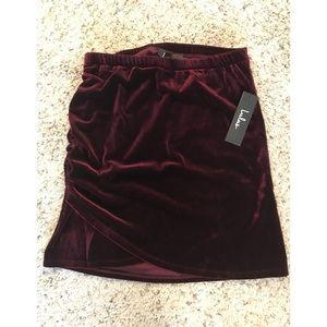 🆕Lulus New skirt!